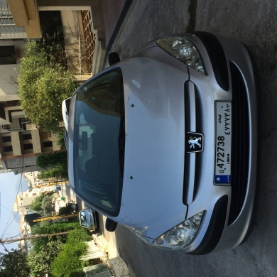 Cars in Jounieh - Peugeot 307 model 2005 for sale