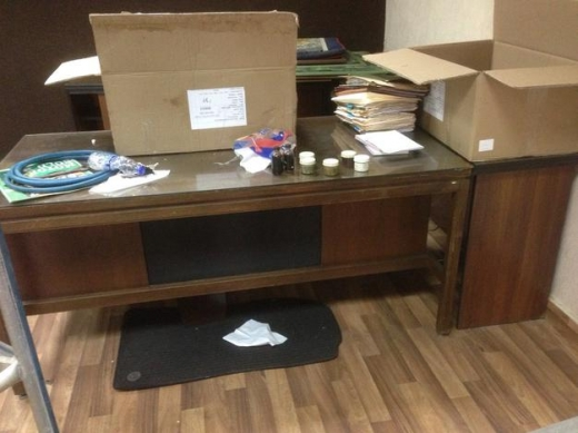 Office Furniture & Equipment in Achrafieh - Two Office desks for sale wooden with glass ahead, file drawers and cupboards