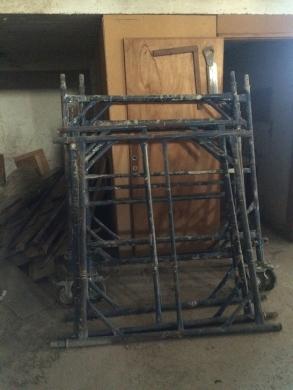 Construction in Antilias - سقالالت للبيع مستعملة لشهر واحد