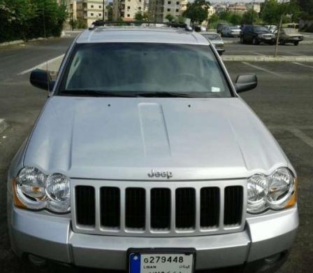Jeep in Mount Lebanon - Grand Cherokee laredo 2010 4*4