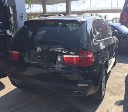 BMW in South - Bmw X5 2007 . 4.8L 8 cylinder black on black 7 seats