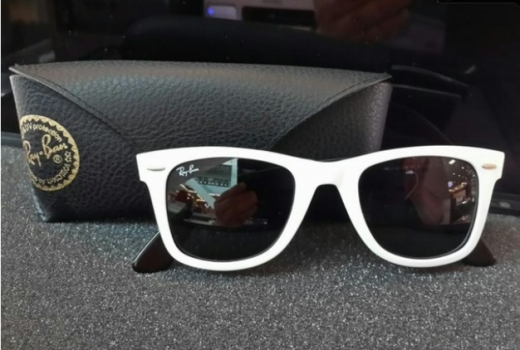 Other Women's Accessories in Al Bahsas - RayBan Sunglasses