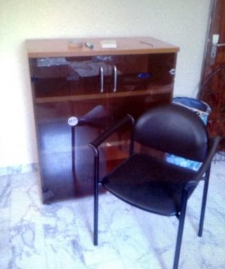 Office Furniture & Equipment in Beirut City - مكتب ايطالي شبه جديد من الرياض