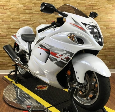 Motorbikes & Scooters in Kobbeh - 2014 Suzuki hayabusa 1300.;CONTACT ME ON .WHATSAPP VIA : +447447243805