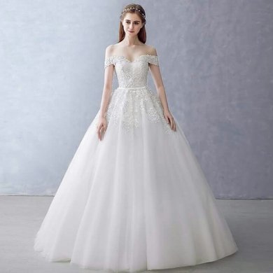 Clothes, Footwear & Accessories in Kfifane - brand new wedding dress
