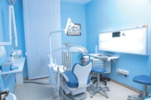 Miscellaneous in Haret Hreik - عيادة لطب الأسنان للبيع