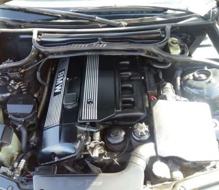 BMW in A'aba - BMW newboy 325 model 2001 for sale