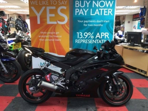 Motorbikes & Scooters in Ain We Zein - selling 2012 Yamaha YZF R6