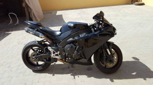 Motorbikes & Scooters in Nmeiriyeh - 2014 YAMAHA YZF-R1 for sale..  Whatsap.number on  +905387437771