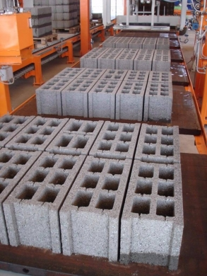 DIY Tools & Materials in Ras-Beyrouth - Block brick production line SUMAB U 1000 SWEDEN