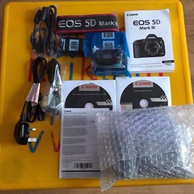 Cameras, Camcorders & Studio Equipment in Bqennaya - Canon EOS 5D Mark III Body and Lens