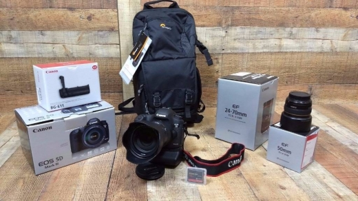 Cameras, Camcorders & Studio Equipment in Abbassiyeh - CANON 5D MARK III CAMERA WITH EF 24-105mm F4 IS USM LENS . INC ACCESSORIES