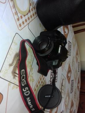 Cameras, Camcorders & Studio Equipment in Khalde - Canon 5D Mark II for sale