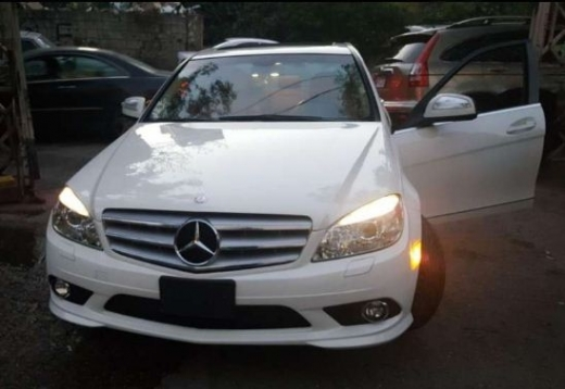 Mercedes-Benz in Mount Lebanon - Mercedes 2009 c300 (for sale or trade)