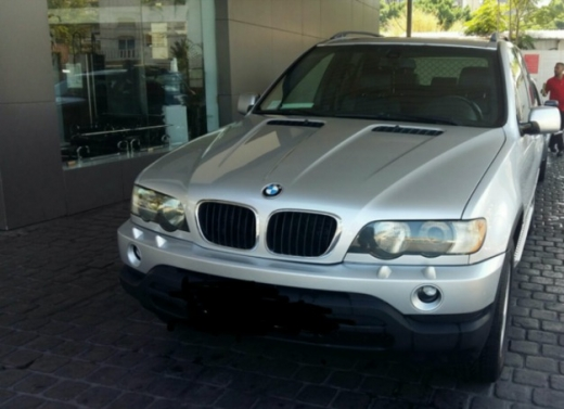 BMW in Antelias - BMW X5 Sport package silver steptronic for sale