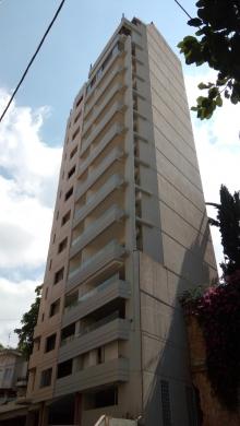 Apartment in Achrafieh - Appartment in Achrafier, 150M2. Geitawi Area