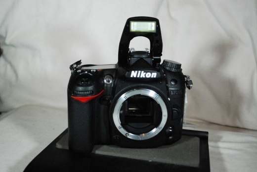 Digital Cameras in Al Dahye - For Sale Nikon D7000 with 18-55mm and 55-200mm VR Lenses