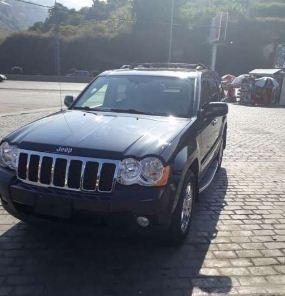 Jeep in Mount Lebanon - 2010 grand Cherokee V8 Hemi 5.7 L limited