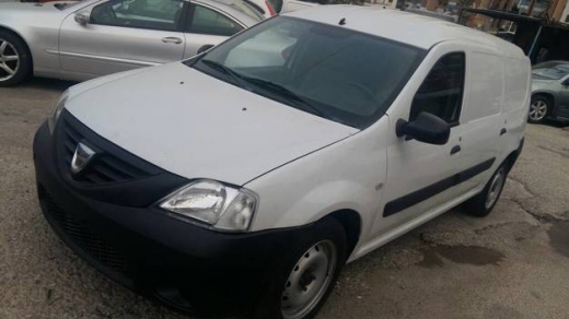 Renault in Sad el-Baouchrieh - Dacia Logan model 2010 A/C Manual Transmission