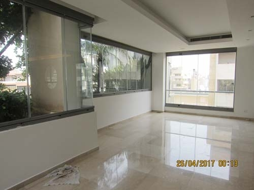 Apartment in Beirut - 378sqm Unfurnished apartment for rent Achrafieh Trabaud Abdel Wahab 5000$