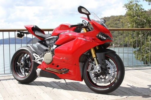 Motorbikes & Scooters in Beirut City - 2015 DUCATI PANIGALE 1299S