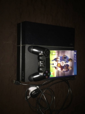 Computers & Software in Ras-Beyrouth - ps4 for sale joystick   fifa