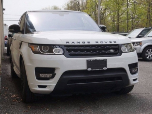 Land Rover in Beirut City - Buy 2016 Land Rover Range Rover Sport Utility full options first owner in good condition.