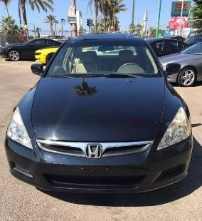 Honda in Beirut - 2006 Honda Accord vti  full options very clean