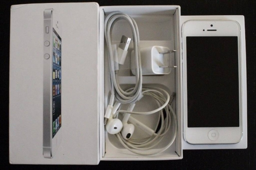 Apple iPhone in Amaret Chalhoub - Apple iPhone X (Ten) - 256GB (Unlocked):$900