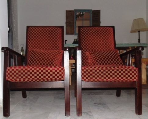 Sofas, Armchairs & Suites in Hazmieh - Antique chairs