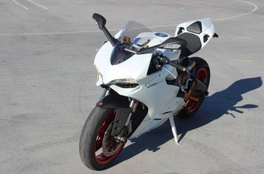 Motorbikes & Scooters in Aicha Bakkar - 2015 Ducati SUPERBIKE 899 PANIGALE..Whatsapp at  971523143660