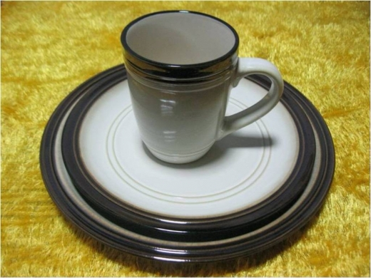 Dinnerware & Crockery in Beirut City - Wholesale Porcelain Plates and Mug