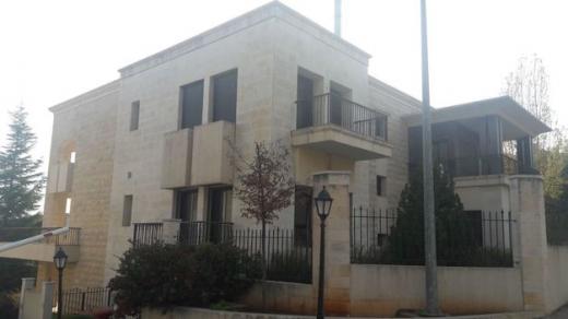 Villa in Baabdat - For sale Villa in Baabdet - Mar Moussa