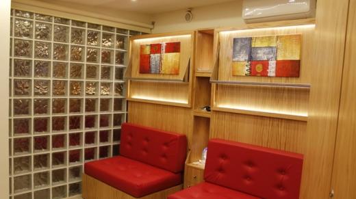 Show Room in Achrafieh - Studio Achrafier near Hospital Geitawi..100m from the hospital. 71764700 .