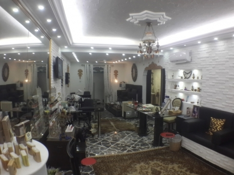 Commercial in Mount Lebanon - Shop for rent in Ballouneh SKY377