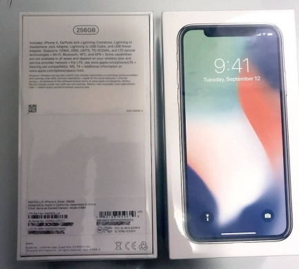 Digital Cameras in Ain Mreisseh - FOR  SALE: Brand New Unlocked Apple iphone X  256GB   $650
