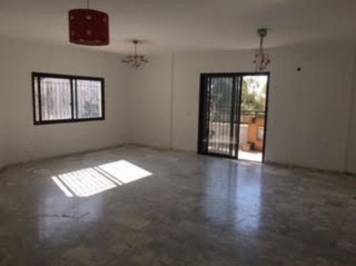 Apartment in Aramoun - شقة للإيجار بسعر مغرى فى دوحة عرمون 3 نوم مساحة الشقة 270 م2 منظر لا يحجب...