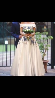 Dresses in Bechara El Khoury - Dress for sale , engagement dress