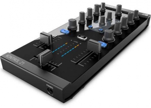 Musical Instruments & DJ Equipment in Ain Mreisseh - Traktor Z1 brand new