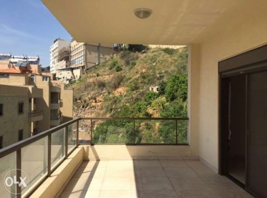 Show Room in Mansourieh - DORMS/FOYER for Women