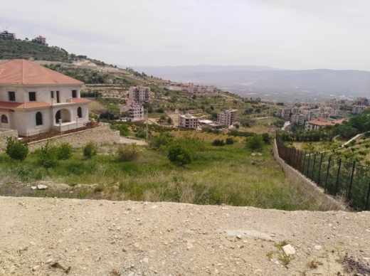 Land in Zahleh - zahle land with open view in a prestigious neighborhood for sale .