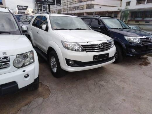 Toyota in Baouchriye - Toyota Fortuner 2012 like new super clean