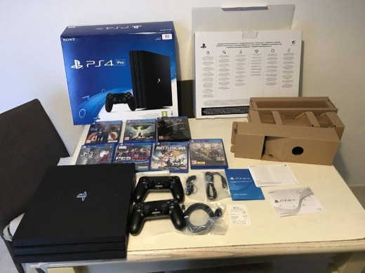 PS4 (Sony Playstation 4) in Ain Najem - Sony Playstation 4 Pro Whatsapp +17159971434