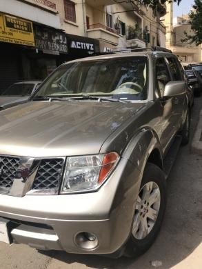 Nissan in Furn Al Chebak - pathfinder 2005 full l