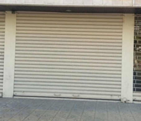 Shop in Sanayeh - محل للايجار -بيروت - الملا-شارع محي الدين الخياط-طابقين و حمام٠