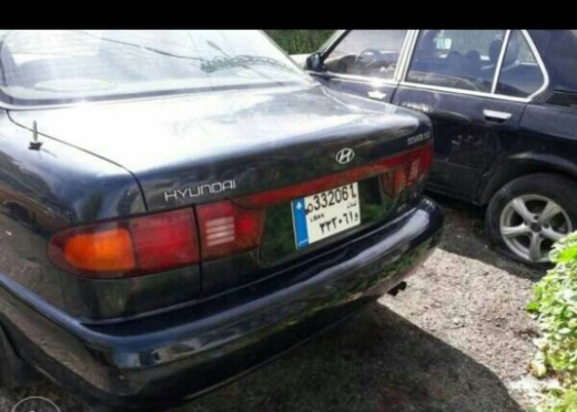 Hyundai in Haret Hreik - sonata 98 auto for sale
