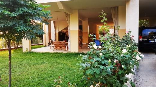 Villa in Mechmech - house for sale in lehfed jbeil