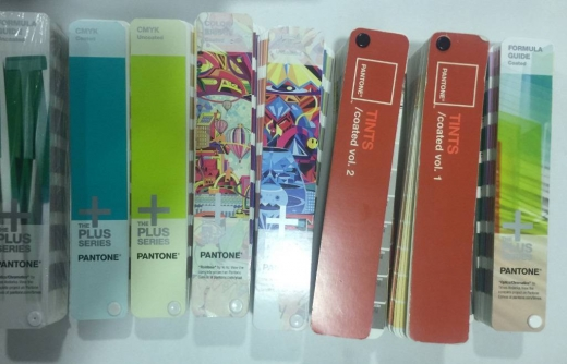 Scrapbooking, Sewing, Art, Craft in Baouchriye - Are you a Graphic or Art Designer? Pantone Portable Guide Studi