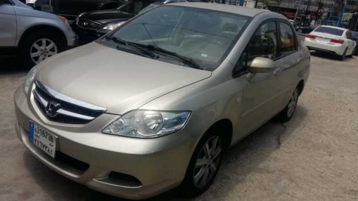Honda in Sad el-Baouchrieh - Honda City, model 2006,