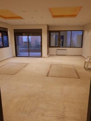 Apartment in Zouk Mikaël - زوق مكايل 210م تراس 200م ثلاث غرف نوم أثنان ماستر